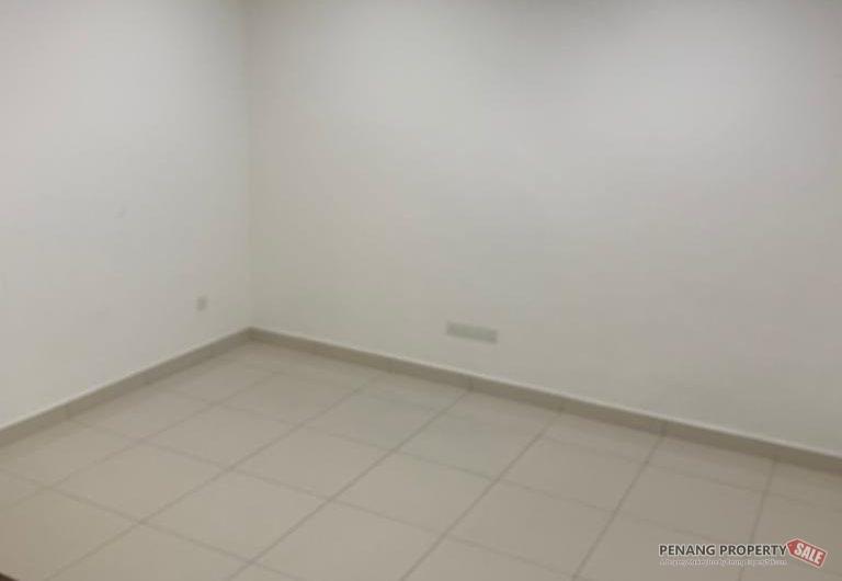 PG88 @ Teluk Kumbar Heights Three Storey Landed Terrace 5 Bedroom 5 Bathroom Facing Main Road