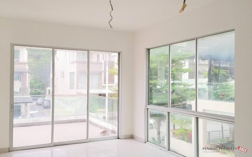 3 Storey Terrace house at Bayan Lepas END LOT Gated & Guarded