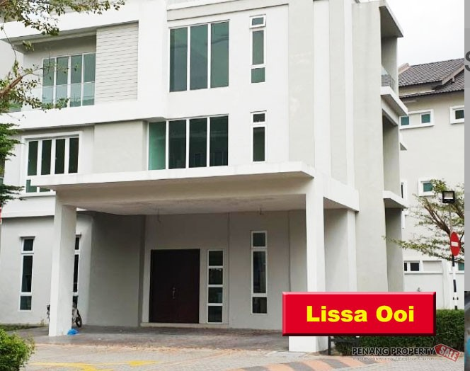 Orange Villa 3 Storey Terrace House Bungalow (Gated & Guarded)