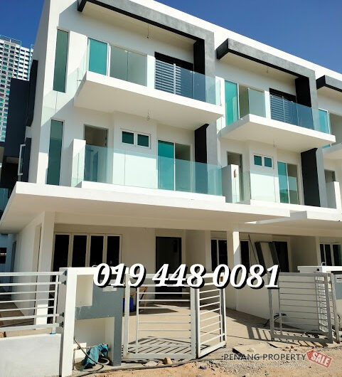 3 Storey Terrace House Gated & Guarded