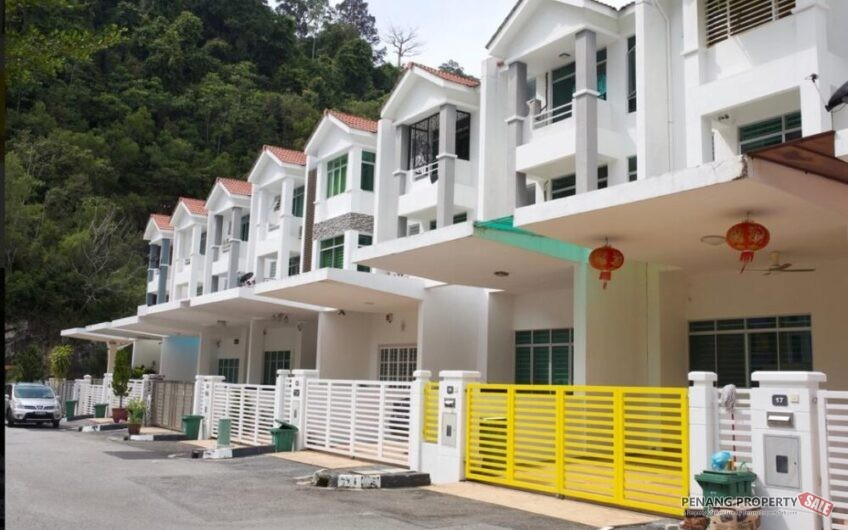 Berverly Hill 3 Storey Terrace For Sale, Tanjung Bungah near Batu Ferringhi