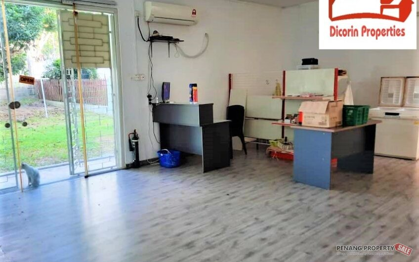 Double storey Semi D with large compound at Tanjung Bungah for Rent