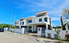 98 Residence 2 Sty Exclusive Bungalow
