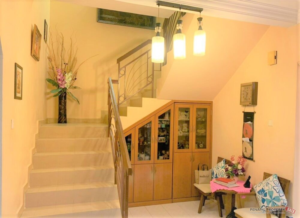 Nicely Renovated Double Storey Terrac...