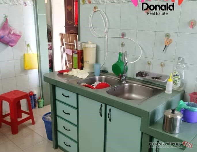 Worth Buy !! Eastern Court 550SF 1cp Partly Renovated Mid Floor at Jelutong